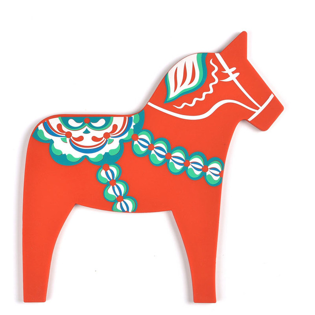 2pcs New Design Christmas Horse Shape Heat Resistant Silicone Table Pad  Kitchen Silicone Hot Pad Red