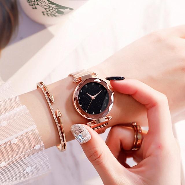 Luxury Quartz Wristwatch 3