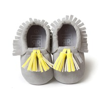 Gray  PU Suede Leather Newborn Baby Boy Girl Baby Moccasins Soft Moccs Shoes Bebe Fringe Soft Soled Non-slip Footwear Crib Shoe