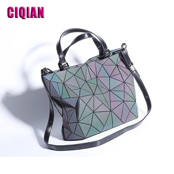 2018 luminous bag New Women's Geometric Handbag Laser Plain Folding Hologram Geometry Casual Totes for girls Drop Shipping