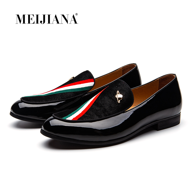 MEIJIANA Men Velvet Slippers Loafers Embroidery and Peace Moccasins Color Strip With Metal Buckle Men's Dress Shoes formal Flats