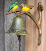 17CM Garden balcony decorative antique iron bell bird color mural.