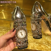 Luxury hot selling golden color heel with bling bling crystal clock decoration pumps glossy patent leather chunky heel shoes