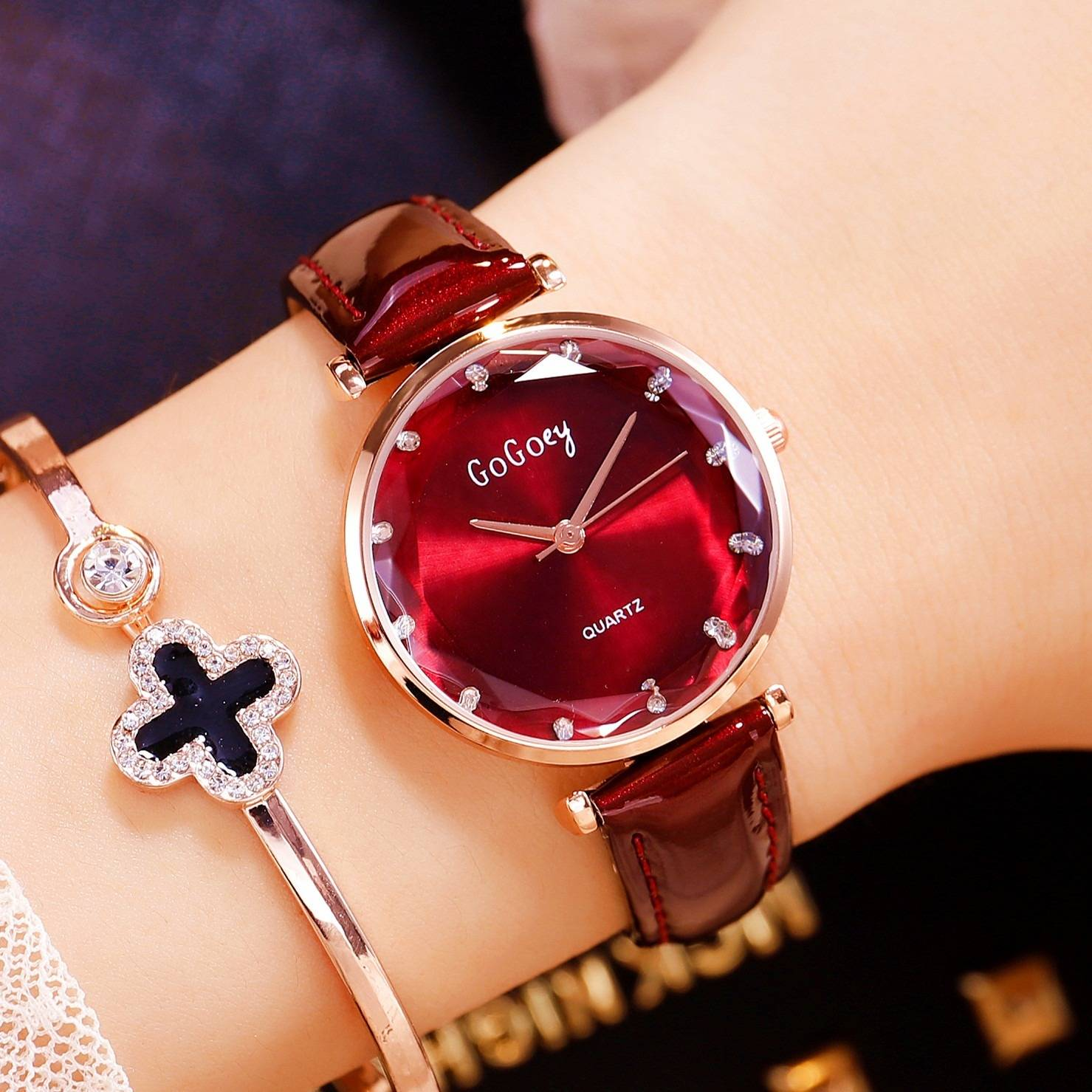 Crystal Women Watch New Fashion Genuine Patent Leather Strap