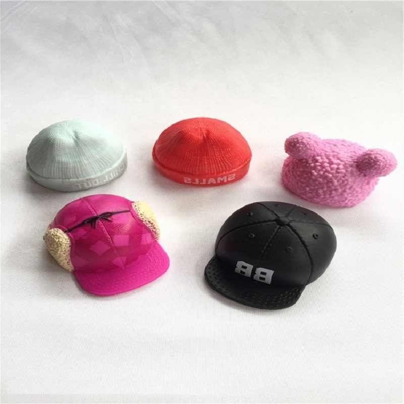 4 pz/set Stile Diverso LOL Accessori Cappello di giocattoli Per i bambini Lol Cappello Bambola ksimerito Accessori Originali di Colore Cappelli di Giocattoli