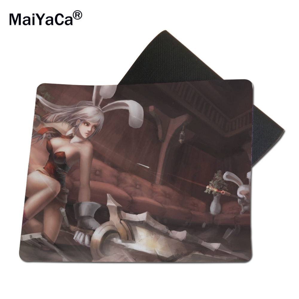 2017 Riven League of Legends Super Feel Durable Polyester Medium Mouse Pad Mouse Mat Black for Gamers
