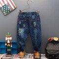 Патч осень-весна джинсы мальчик джинсы ТЕМНО-СИНИЙ ПОВСЕДНЕВНЫЕ брюки брюки для мальчиков ребенок новый 2016 дети джинсы ковбои distrressed