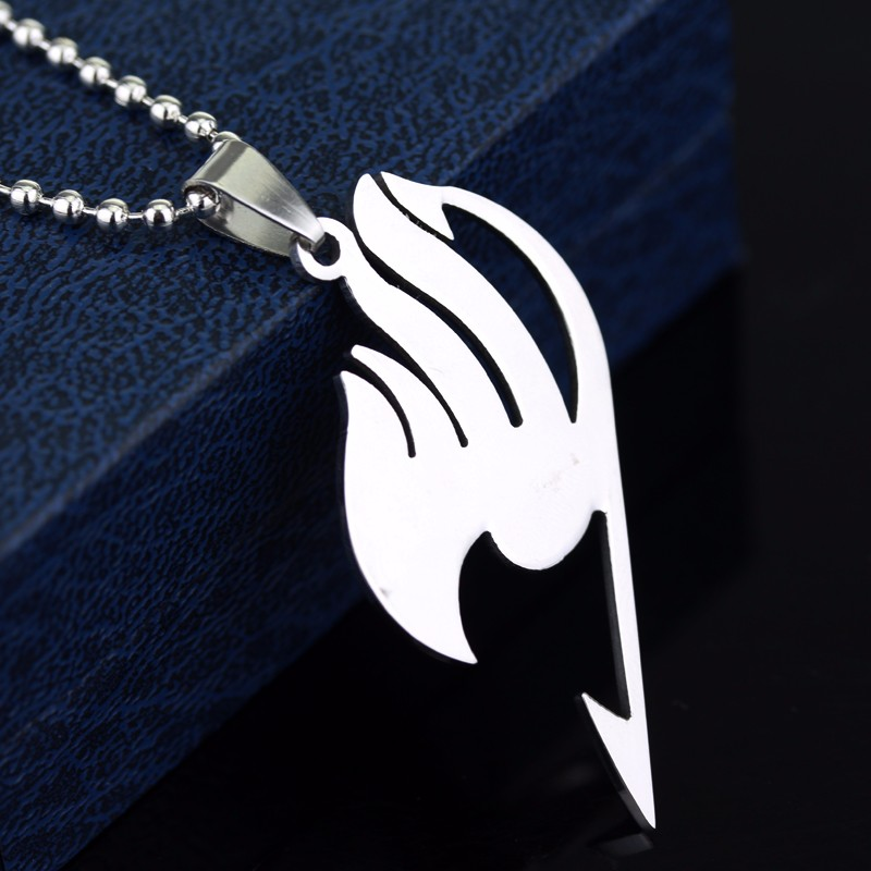 Новый себе аниме Fairy Tail Цепочки и ожерелья Подвески Нацу Косплэй Гильдия Логотип Мода Аниме jewelry12pcs/лот