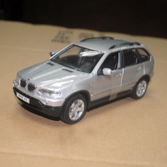 Welly 124 Skala Zabawki Samochodów Niemcy Bmw X5 Suv Diecast Metal
