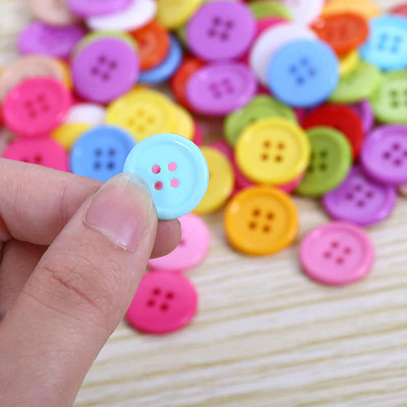 100pcs Mix Sewing Accessories Plastic Buttons Double Hole Random Mixed Color DIY Scraping Many Beatiful Colorful Button Kids Toy