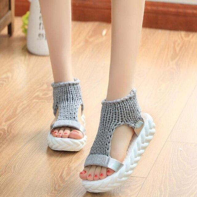 Casuais confortáveis Sandálias de Verão 2018 Novos Chegada das Mulheres de Lã de Malha Sapatos de Plataforma Doce Cor Sandálias de Cunha