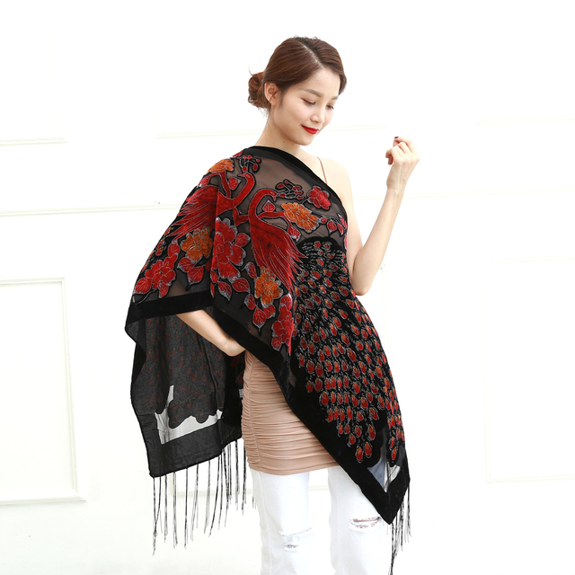 12 colores Reino Unido Pavo Real terciopelo chal mujer bufanda moda  invierno Pashmina Poncho US regalo 0605c3587c11