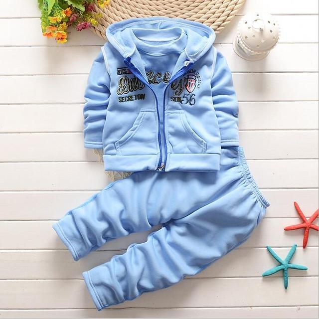 2016 nuevo otoño invierno ropa de bebé niños y niñas juego del deporte de 3 unids vest + T-Shirt + Pants juegos del verano del bebé de la ropa del bebé F117