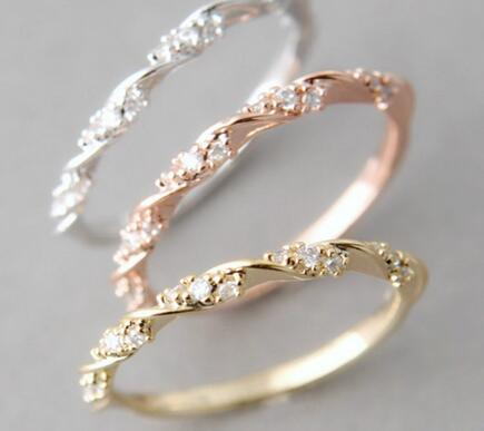 Classical Austrian Crystal Rhinestone Twist Ring Gold / Rose Gold Color For Women Female Wedding Party Elegant Jewelry Gift