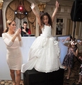 Para As Meninas 2016 White cap mangas vestido de baile puffy lace apliques com cristais beads Flores vestidos da menina primeira comunhão vestidos