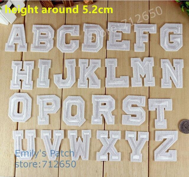 10 pcs cor Branca Alfabeto Bordado remendos ferro em Motif Applique chapéu de moda saco sapato crianças nome decor bordado acessório