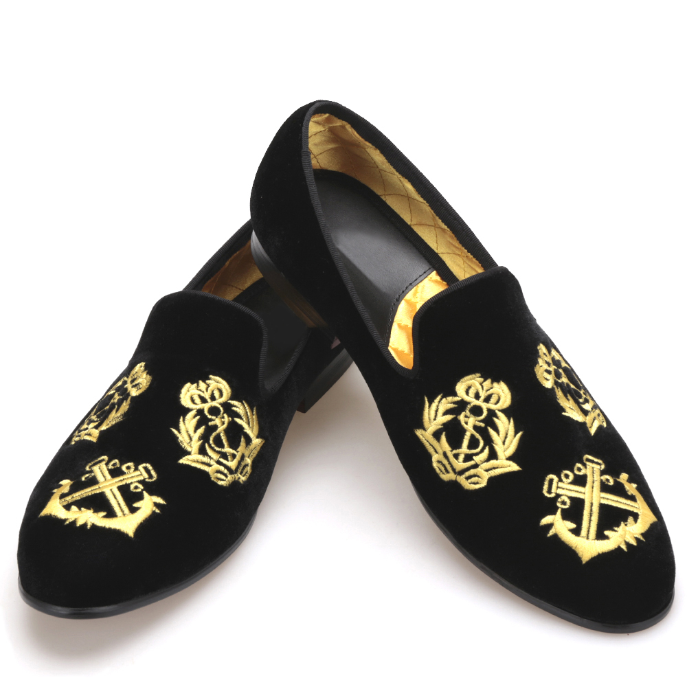 Handmade Men Velvet shoes with luxurious embroidery Leather and Satin lining Party and Banquet Men Loafers piergitar 2016 new india handmade luxurious embroidery men velvet shoes men dress shoes banquet and prom male plus size loafers