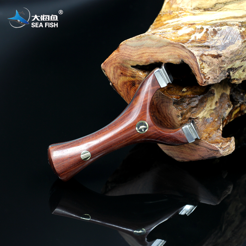 Handcrafted Titanium alloy Rosewood slingshot World champion's recommendation Suitable for collection  Support reservation web user clustering and surfing recommendation