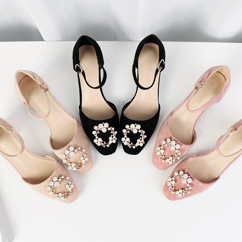 Nouveau parti talons hauts chaussures femme Med talons hauts 2019 automne perles solides boucle talons carrés pompes femmes Sexy troupeau sandales-in Escarpins femme from Chaussures    1