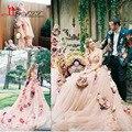 Incrível Handmade Flores Suave Sheer Charme vestidos de Noiva Vestidos Com Colorido Simulação Flores Querida Long Train vestido de Noiva