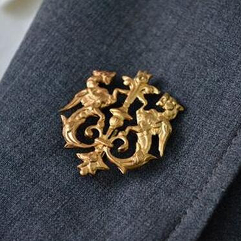 Broche Vintage Pin Up Brooches For Women Lapel Men Dragon Shield Lapel Pins  Stick Brooch Pin Unisex Jewelry Детская кроватка