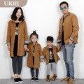 2016 Семья установлены семья Соответствия Светло-коричневый Вельвет пальто куртки для отца сын и мать девушки осень зима мода одежда