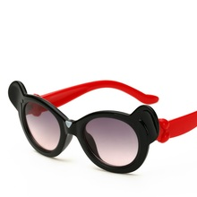 2017 New Fashion Kids Sunglasses Girls Boys Child Cute Cartoon Sun Glasses Cool UV400 Mirror Glasses Hot Sale