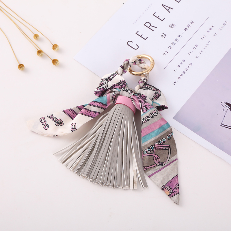 Leather Tassel Keychain Key Ring Gift For Women Girls Bag Pendant Bow Tie Charms Key Chains Jewelry Porte Clef King Ring 059WA