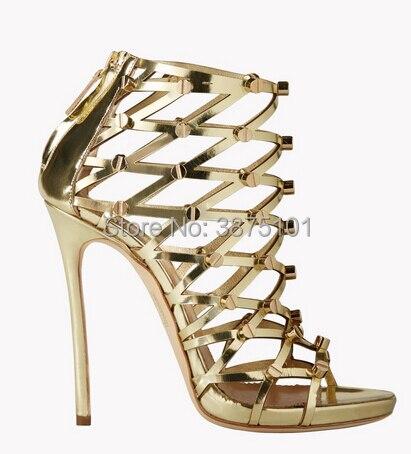 Дизайнерские босоножки на высоком каблуке с золотыми шипами; пикантные женские сандалии гладиаторы с ремешком на щиколотке; Цвет Черный; оф