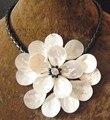 Очаровательный белый морские раковины цветок черный прозрачного хрусталя Ожерелье кожа