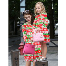 5a6c791f94a47 Mère Fille Robes Famille À La Recherche Correspondant Vêtements Enfants  Floral De Noël Imprimer Parti Robe