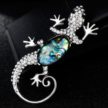 Trendy Natural Shell Gecko Men Brooch Pins Luxury Party Banquet Costume Decoration Accessories Women Crystal Jewelry XZ354