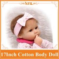En iyi fiyat Ile 17 '' Silikon Bebek Bebek Yumuşak Bebek Bebek Giysileri Güzel Brinquedos Bebe Reborn Sıcak Karşılama Bebek Odası dekorasyon