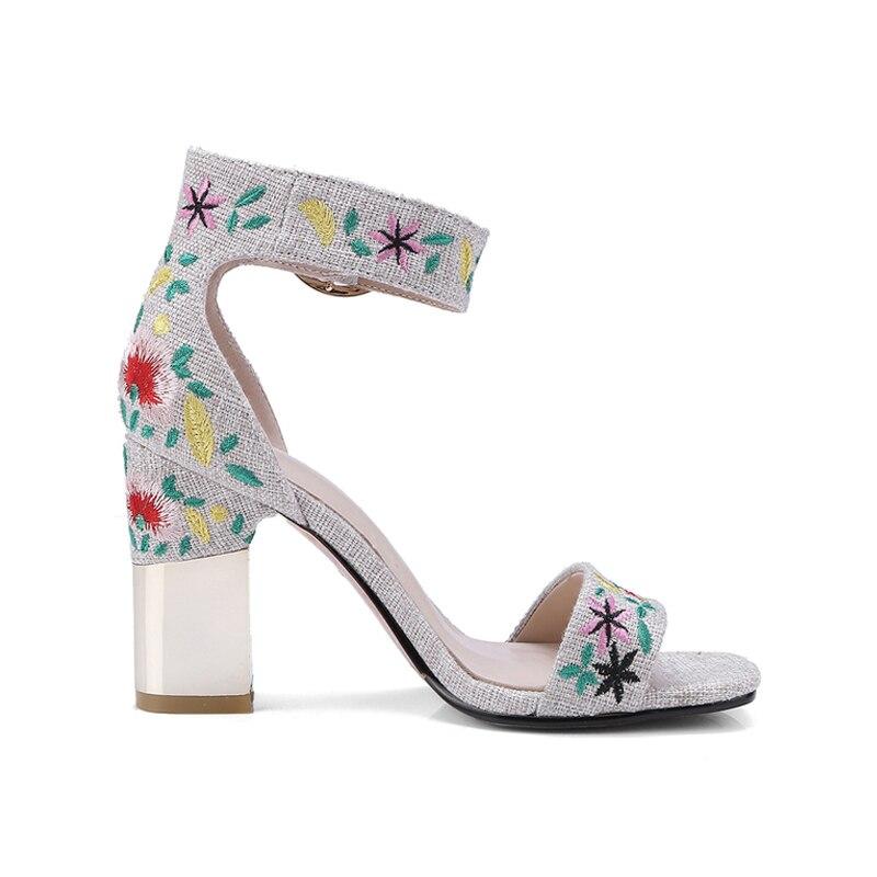 Chaussures Broderie Sexy Haute Grande Femme bleu Fleurs D'été 2018 34 Marque Denim Creamy Taille Femmes De Carré 43 Sandales Talons Doratasia white znBE7qwZ7