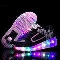 Nuevo 2016 Negro Barato de Moda Infantil Niñas Niños Luz LED Zapatos del Patín De Ruedas Para Los Niños Embroma las Zapatillas de deporte Con Ruedas de Uno/Dos ruedas
