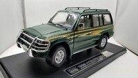 1:18 литье под давлением модель для Mitsubishi Pajero 1998 классический внедорожник Игрушечная машина из сплава миниатюрная коллекция