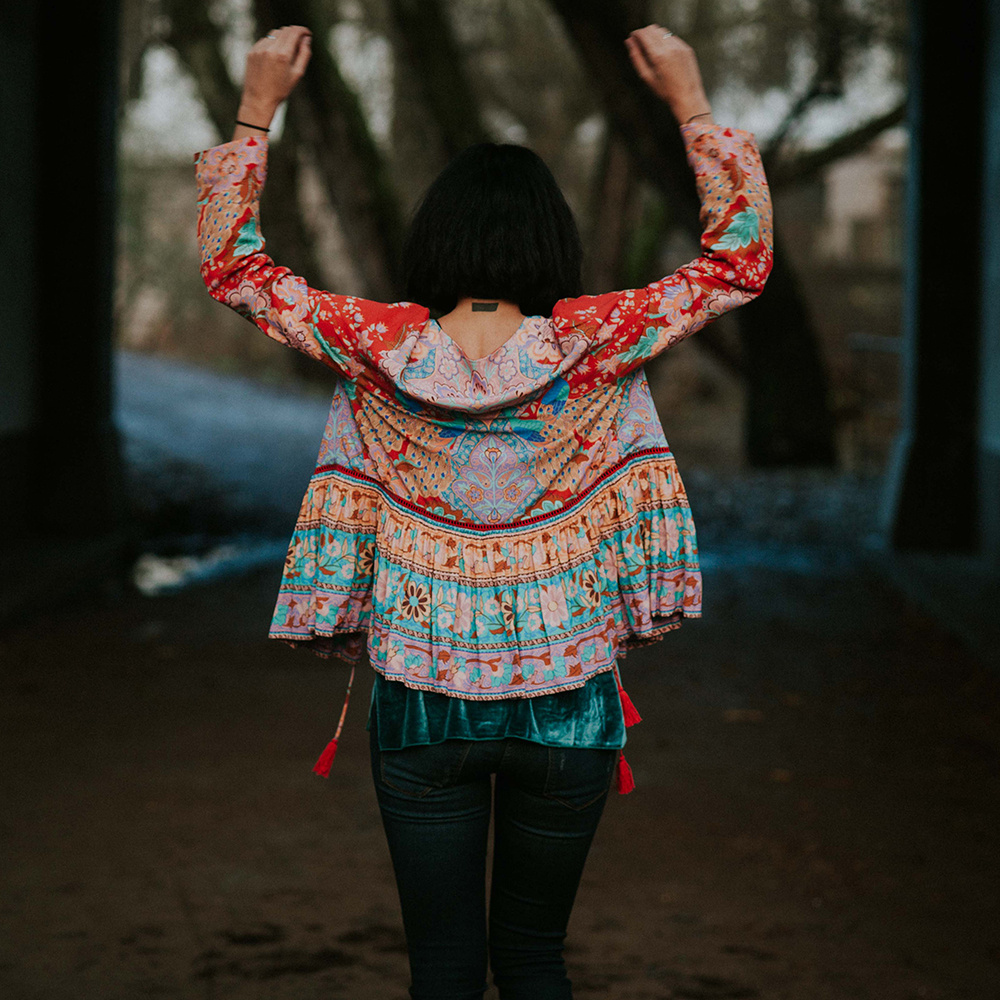 Khale Yose Summer 2019 Floral Print Jacket Long Sleeve Boho Jacket For Women Tassels Gypsy Folk Hippie Chic Female Jackets New Платье