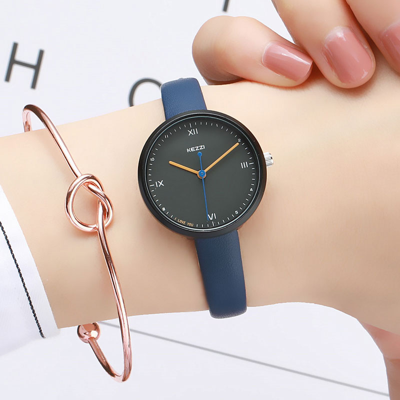 Top Brand Fashion Retro Ladies Watches Leather Female Quartz Watch Women Thin Casual Strap Wristwatch Exquisite Small Dial ClockTop Brand Fashion Retro Ladies Watches Leather Female Quartz Watch Women Thin Casual Strap Wristwatch Exquisite Small Dial Clock
