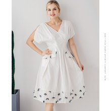 la maxpa Luxury Clothing White Cotton Dresses Exclusive Clothes High Quality 2019 New Print Casual V-Neck Gown Fashion Summer