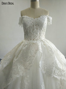 Image 3 - 2017 Ball Gown Beaded Lace Wedding Dresses with Sweetheart Neckline Sleeveless Chapel Train Floor Length Colorful Bridal Gowns