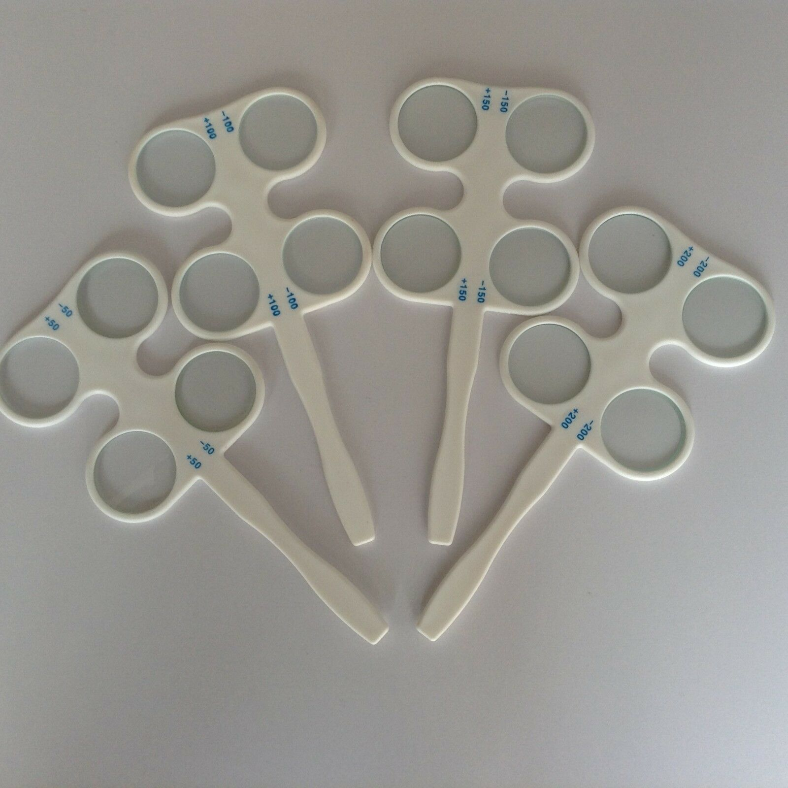 1pcs Multiple Sizes Amblyopia Trainer Confirmation Flipper Ophthalmic Flipper Optical Instruments Lens Flipper