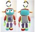 1 unids marca bebé actividad juguetes Robot estilo sonajero música consolador juguete juguete del bebé sonajeros niños muñecas 26 cm