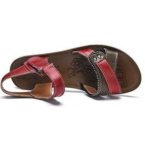 Image 3 - Женские сандалии из натуральной кожи на плоской подошве, летние шлепанцы на липучке, пляжная обувь, модные красные сандалии