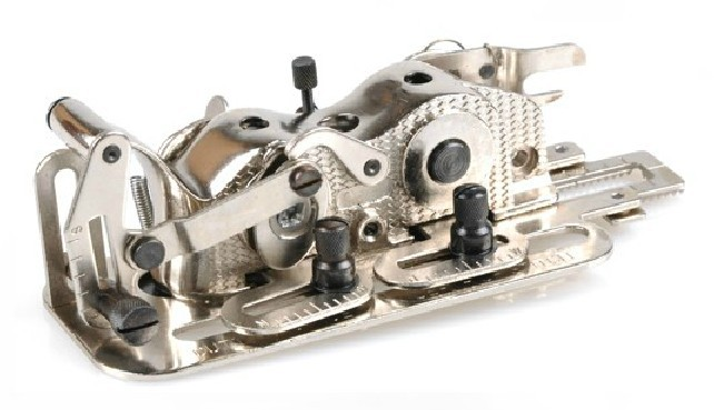 Industrial Sewing Machine Parts Presser Foot YS-4455/ IBA10 / Buttonhole Attachment (original Quality)