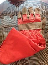Горячие продажи коровы кожаные перчатки безопасности защитные перчатки полоса ткани красный