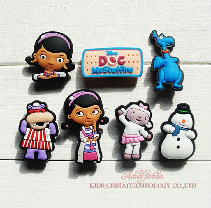 Single Sale 1pc Doc Mcstuffins PVC Shoe Charms,Shoe Buckles Accessories Fit Bands Bracelets Croc JIBZ,Kids Party X-mas Gifts