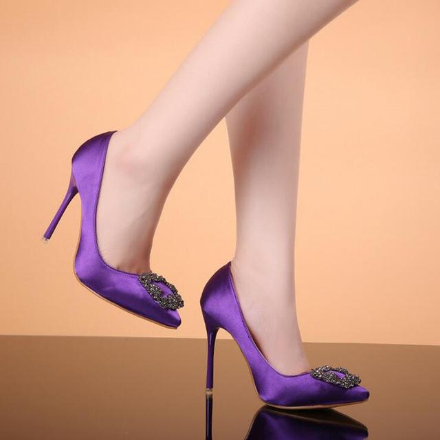 2017 Nuevo Satén de La Manera de Las Mujeres de Las Bombas Individuales de tacón alto Tacones Altos Cuadrados Dedo Del Pie Acentuado Negro Púrpura de Las Mujeres Bombea los zapatos de Boda zapatos XP25