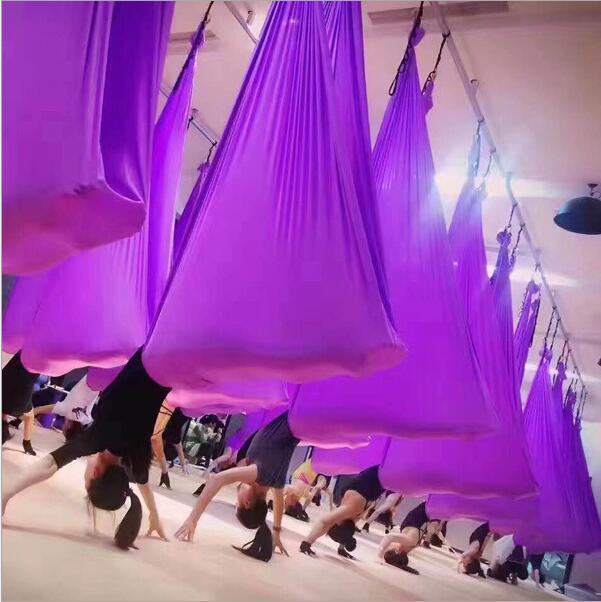 Hamac aérien de Yoga de largeur de la longueur 2.8 M de 7 M Micro élasticité hamac aérien de hauteur d'anti-gravité