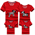 3 unids/set Pareja de Dibujos Animados de la Familia 95% Algodón Camiseta A Juego Hijo de la madre Ropa Mujeres Hombres Niños Del Verano Camisa Linda Cebra camisetas