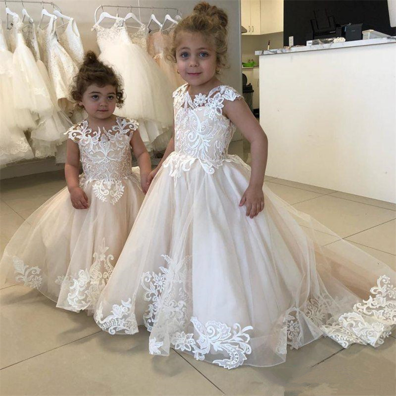 New White Communion Dresses for Girls Champagne O neck Sleeveless Ball Gown Lace Appliques Flower Girl